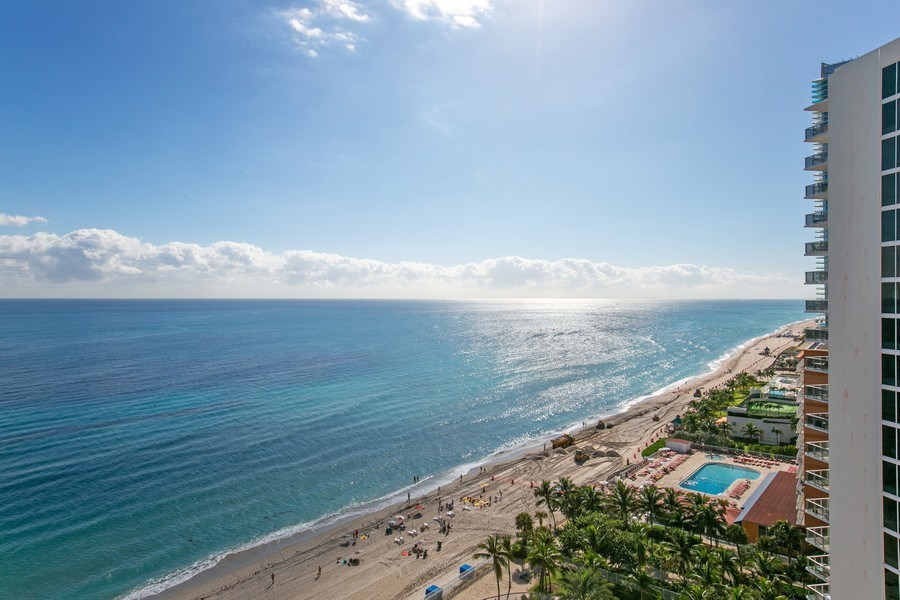 Real Estate Photography - 19333 Collins Ave, apt 1802, Aventura, FL, 33160 - Ocean View