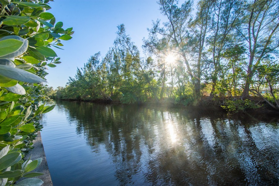 Real Estate Photography - 5811 NE 14th Ln, Fort Lauderdale, FL, 33334 - Waterfront