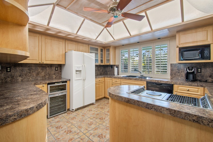 Real Estate Photography - 5811 NE 14th Ln, Fort Lauderdale, FL, 33334 - Kitchen