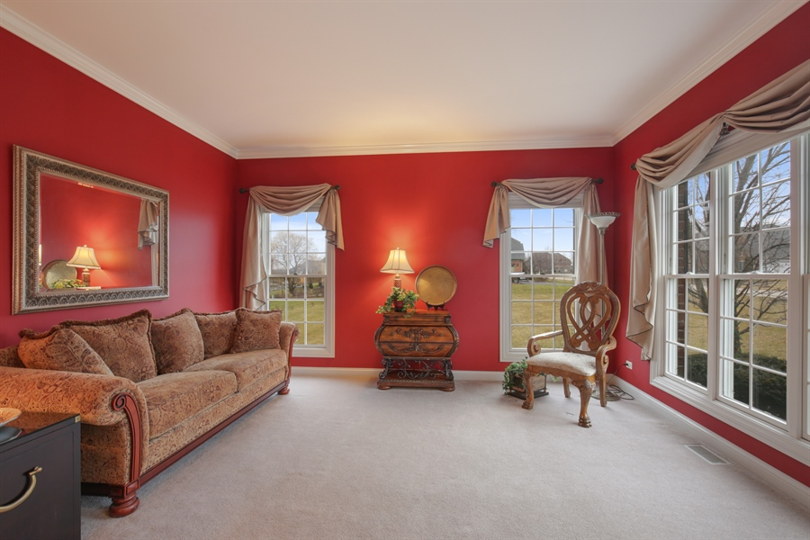 Real Estate Photography - 39W689 Walt Whitman Rd, St Charles, IL, 60175 - Living Room
