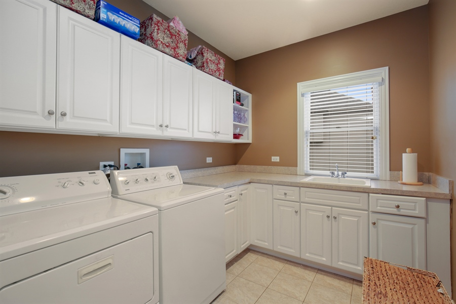 Real Estate Photography - 39W689 Walt Whitman Rd, St Charles, IL, 60175 - Laundry Room