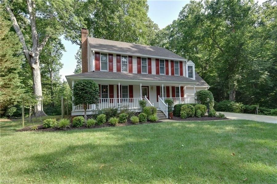 Real Estate Photography - 307 Winterberry Ln, Smithfield, VA, 23430 - Location 2