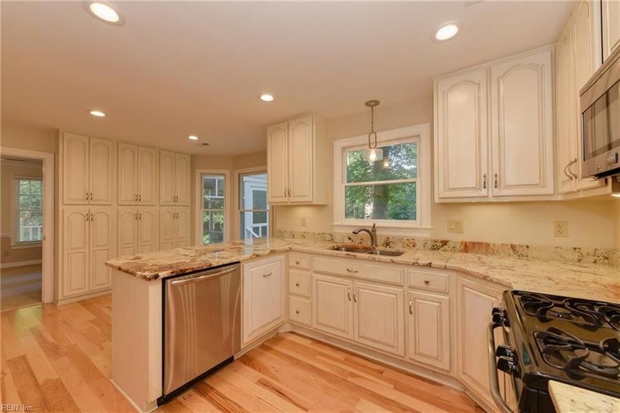 Real Estate Photography - 307 Winterberry Ln, Smithfield, VA, 23430 - Location 8