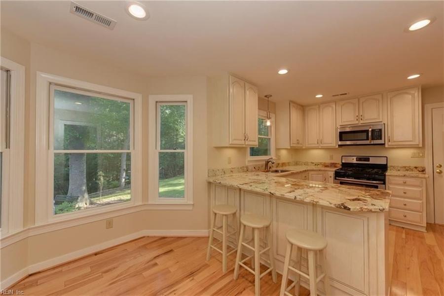 Real Estate Photography - 307 Winterberry Ln, Smithfield, VA, 23430 - Location 10