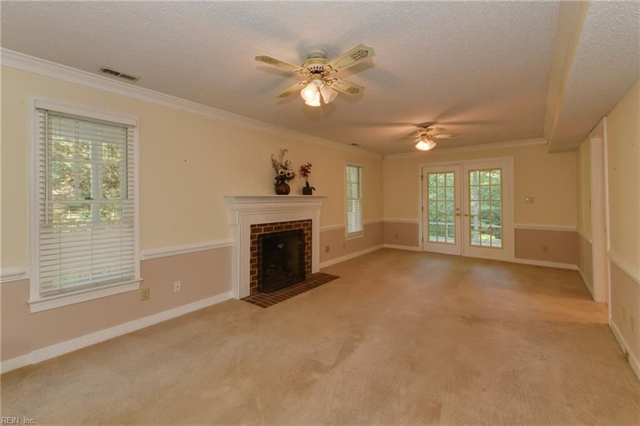 Real Estate Photography - 307 Winterberry Ln, Smithfield, VA, 23430 - Location 13