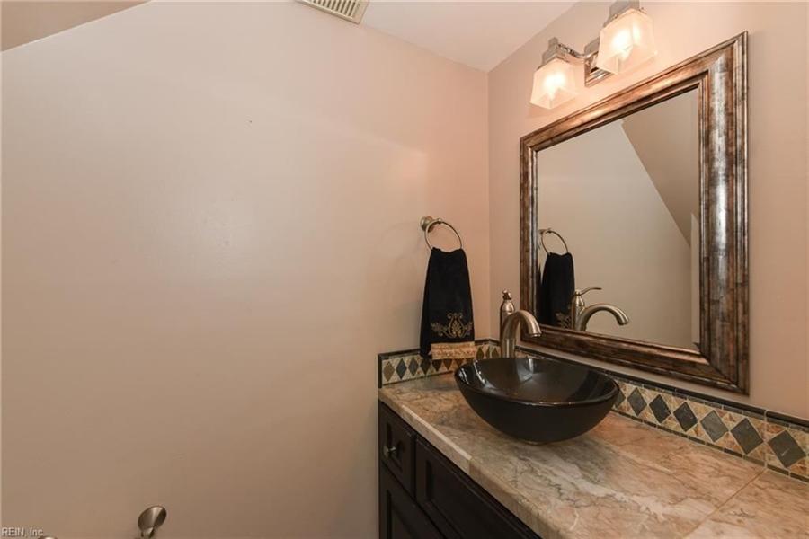 Real Estate Photography - 307 Winterberry Ln, Smithfield, VA, 23430 - Location 15