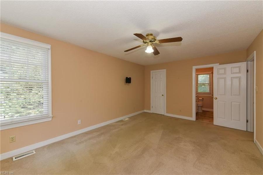 Real Estate Photography - 307 Winterberry Ln, Smithfield, VA, 23430 - Location 17
