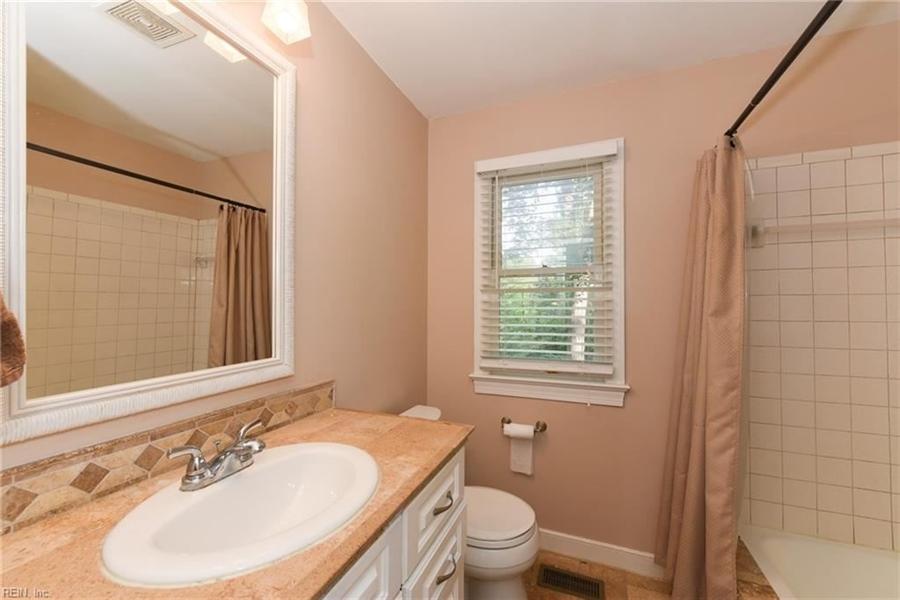 Real Estate Photography - 307 Winterberry Ln, Smithfield, VA, 23430 - Location 19