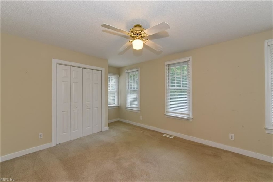 Real Estate Photography - 307 Winterberry Ln, Smithfield, VA, 23430 - Location 21