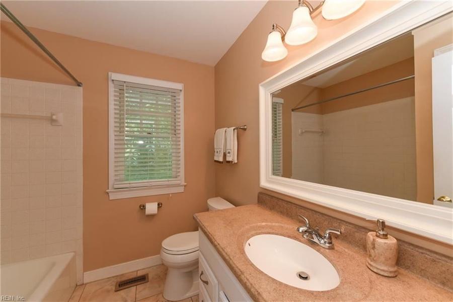 Real Estate Photography - 307 Winterberry Ln, Smithfield, VA, 23430 - Location 22