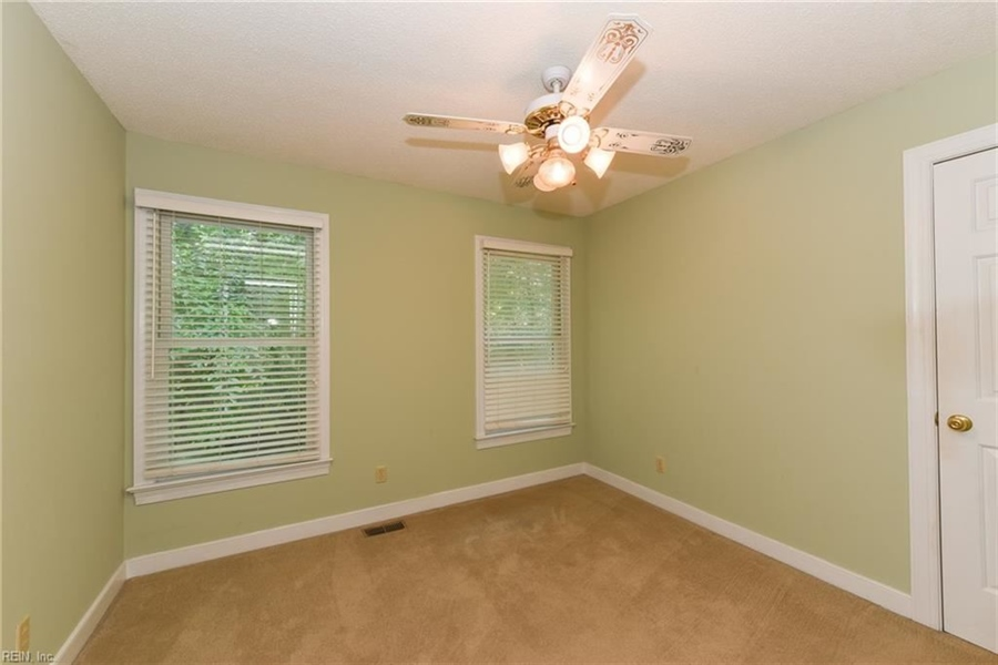 Real Estate Photography - 307 Winterberry Ln, Smithfield, VA, 23430 - Location 25