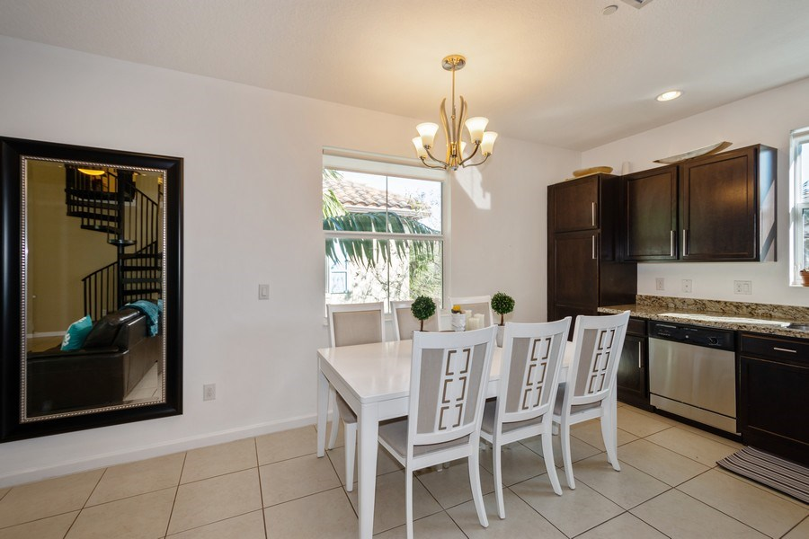 Real Estate Photography - 2906 Cascada Isle Way, Cooper City, FL, 33024 - Dining Room
