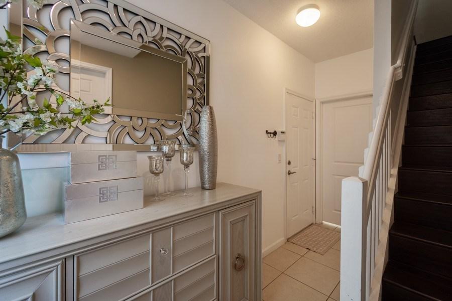 Real Estate Photography - 2906 Cascada Isle Way, Cooper City, FL, 33024 - Foyer