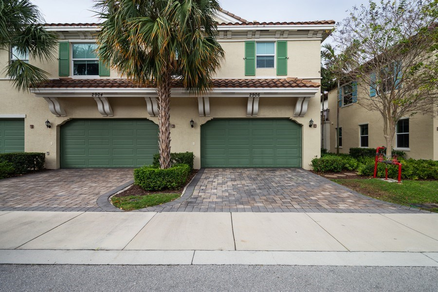 Real Estate Photography - 2906 Cascada Isle Way, Cooper City, FL, 33024 - Rear View