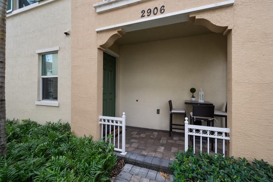 Real Estate Photography - 2906 Cascada Isle Way, Cooper City, FL, 33024 - Entryway