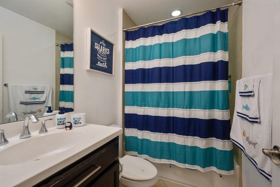 Real Estate Photography - 2906 Cascada Isle Way, Cooper City, FL, 33024 - 2nd Bathroom