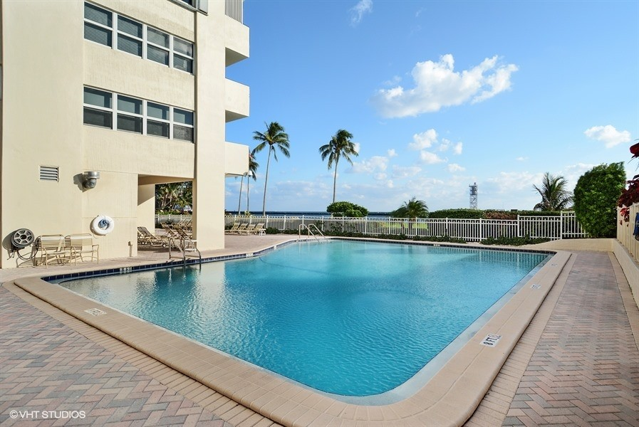 Real Estate Photography - 2100 S Ocean dr, 11E, Fort Lauderdale, FL, 33316 - Waterfront Heated Pool