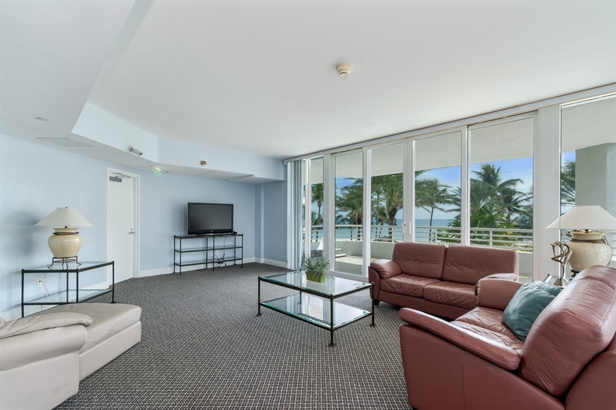 Real Estate Photography - 1700 S Ocean Blvd, Unit 18A, Pompano Beach, FL, 33062 - Clubhouse