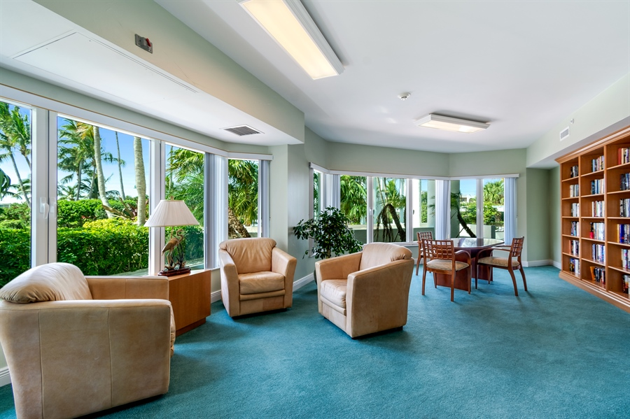 Real Estate Photography - 1700 S Ocean Blvd, Unit 18A, Pompano Beach, FL, 33062 - Library