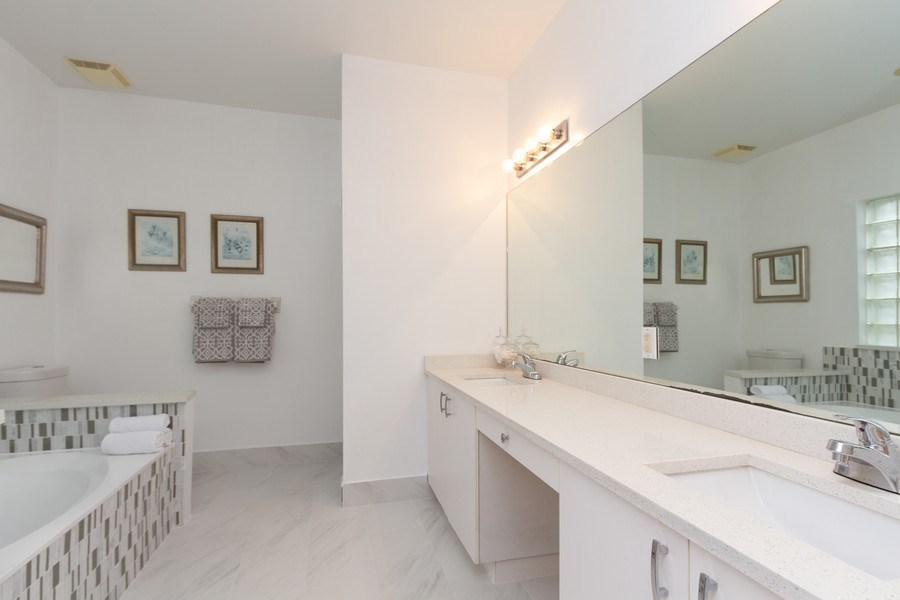 Real Estate Photography - 6337 NW 78th Dr, Parkland, FL, 33067 - Master Bathroom