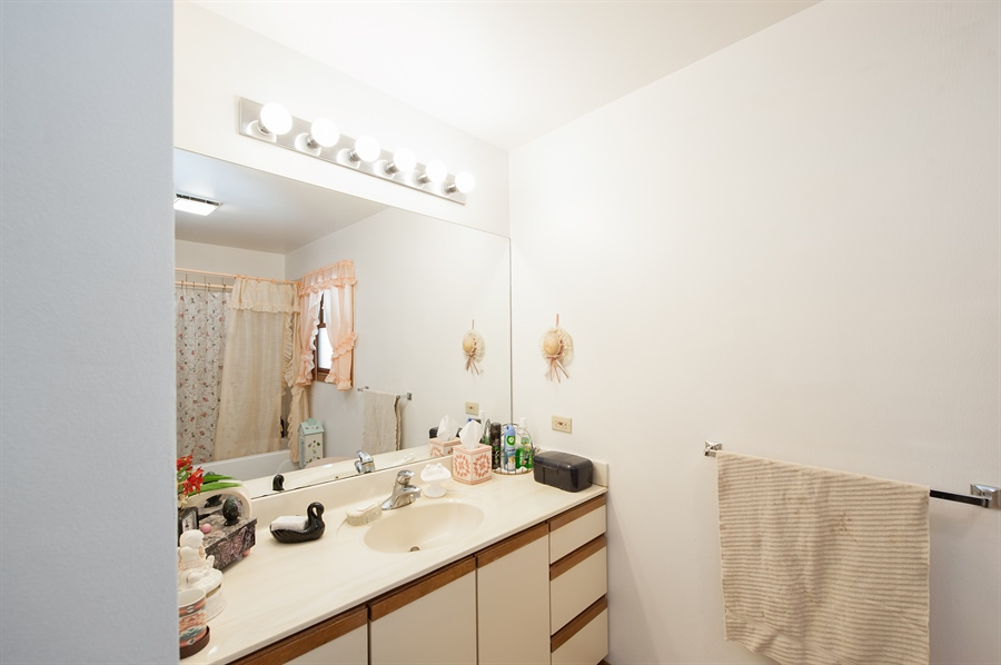 Real Estate Photography - 39866 N Crabapple Dr, Antioch, IL, 60002 - Bathroom