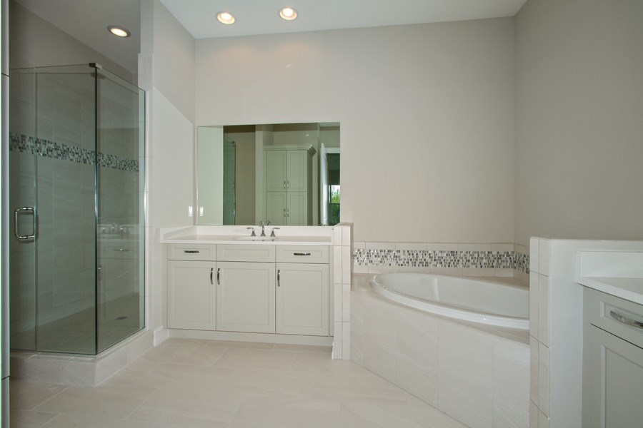 Real Estate Photography - 7801 Hawthorne Dr, Unit 2703, Naples, FL, 34113 - Master Bathroom