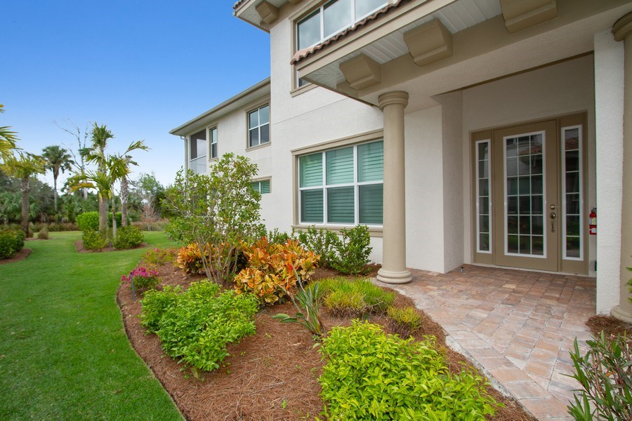 Real Estate Photography - 7801 Hawthorne Dr, Unit 2703, Naples, FL, 34113 - Entryway