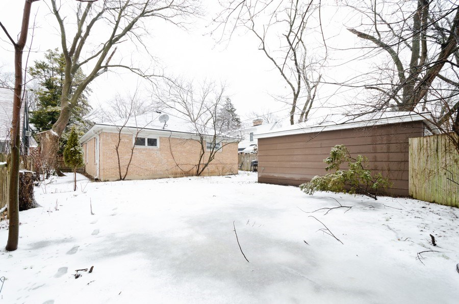 Real Estate Photography - 3306 Hayes Street, Evanston, IL, 60202 - Back Yard