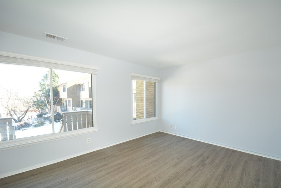 Real Estate Photography - 2689 Glengyle Dr, Unit 33, Vienna, VA, 22181 - Living Room
