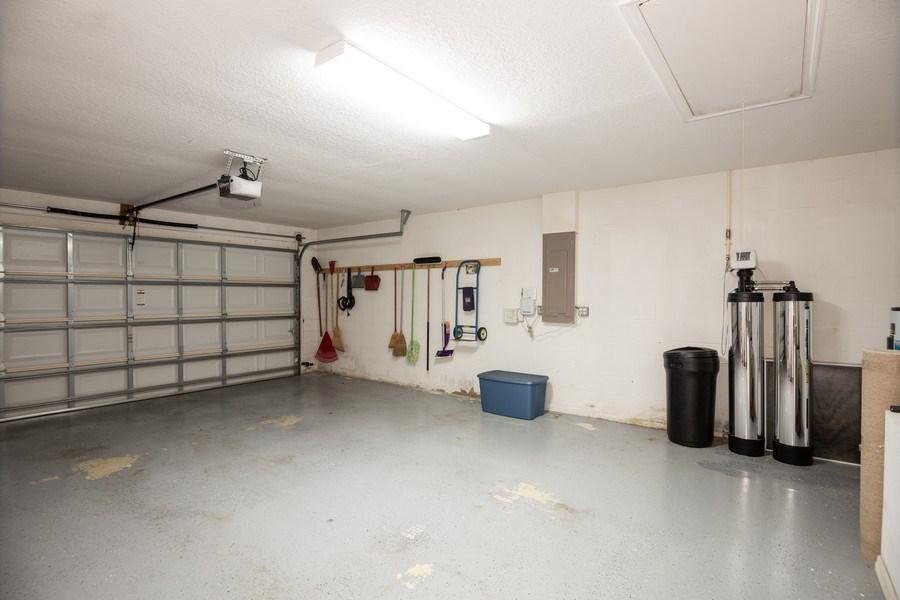 Real Estate Photography - 3525 Shadowood Dr, Valrico, FL, 33596 - Garage