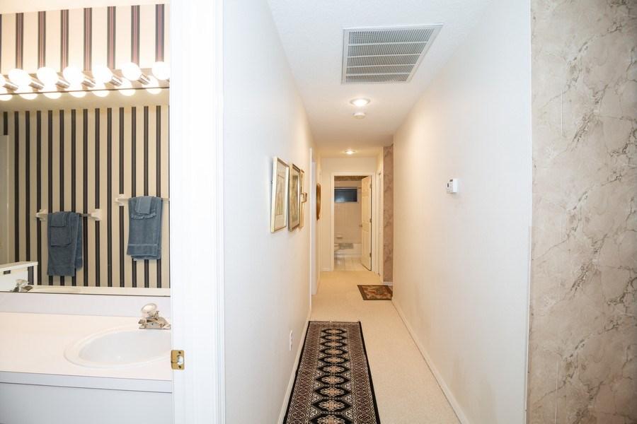 Real Estate Photography - 3525 Shadowood Dr, Valrico, FL, 33596 - Hallway