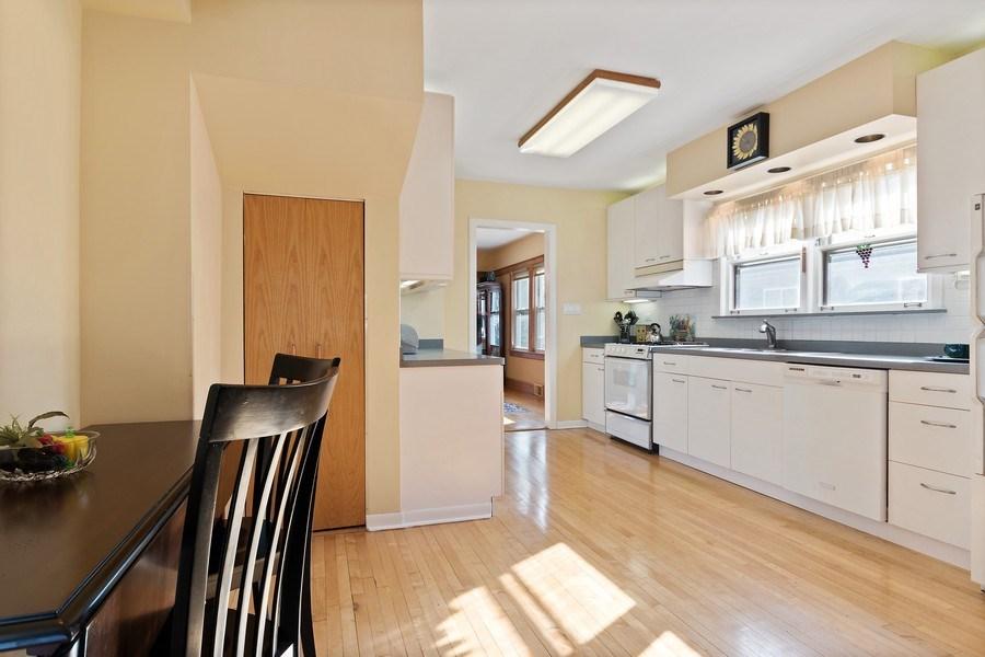 Real Estate Photography - 220 N Oak, Elmhurst, IL, 60126 - Kitchen