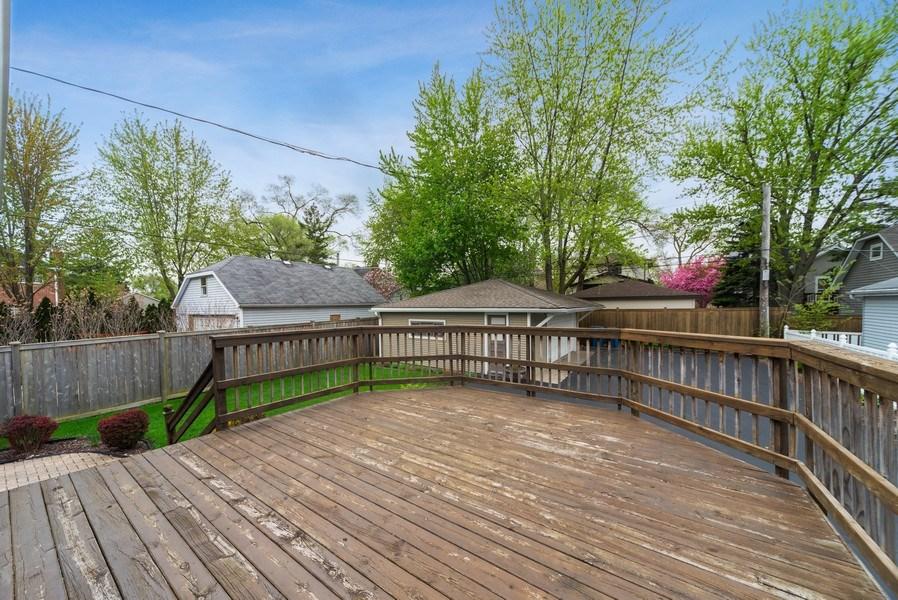 Real Estate Photography - 220 N Oak, Elmhurst, IL, 60126 - Deck
