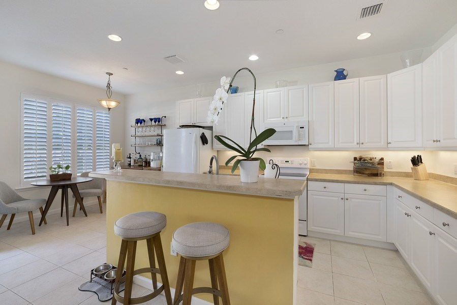 Real Estate Photography - 4331 Corrine Rd, Orlando, FL, 32814 - Kitchen