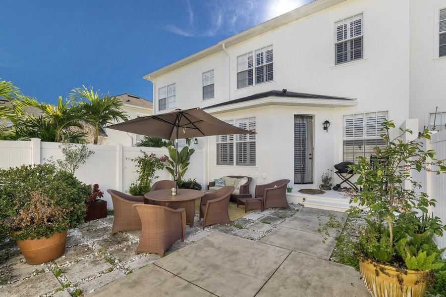 Real Estate Photography - 4331 Corrine Rd, Orlando, FL, 32814 - Back Yard