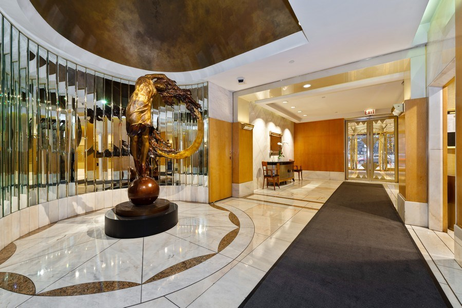 Real Estate Photography - 111 E Chestnut, Unit 20A, Chicago, IL, 60611 - Lobby