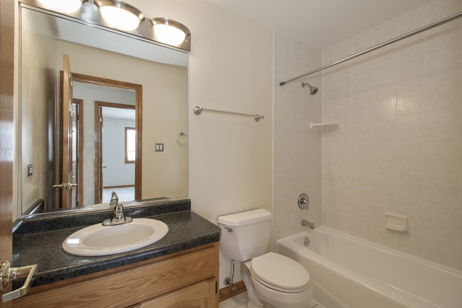 Real Estate Photography - 8200 Cove Ct, Tinley Park, IL, 60487 - Bathroom