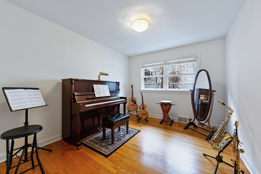 Real Estate Photography - 67 Sheridan Ave, Clarendon Hills, IL, 60514 -