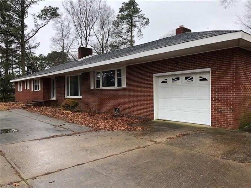 Real Estate Photography - 721 N Great Neck Rd, Virginia Beach, VA, 23454 - Location 1