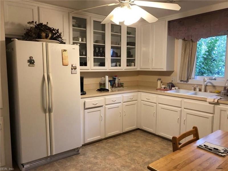 Real Estate Photography - 721 N Great Neck Rd, Virginia Beach, VA, 23454 - Location 3