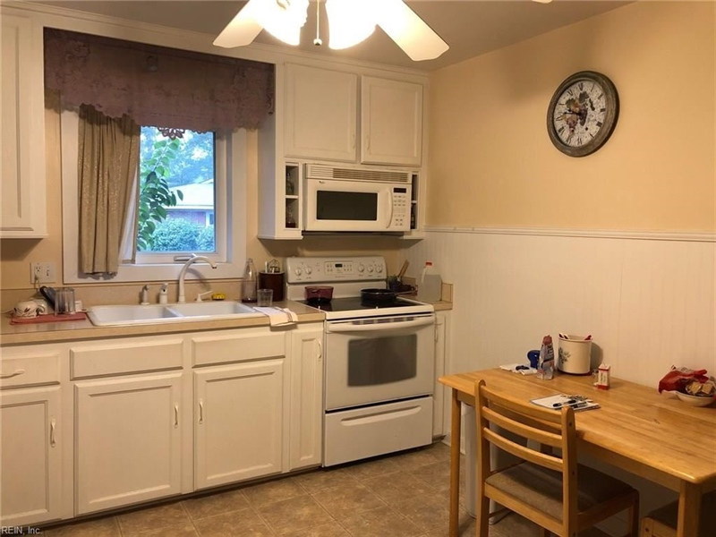 Real Estate Photography - 721 N Great Neck Rd, Virginia Beach, VA, 23454 - Location 4