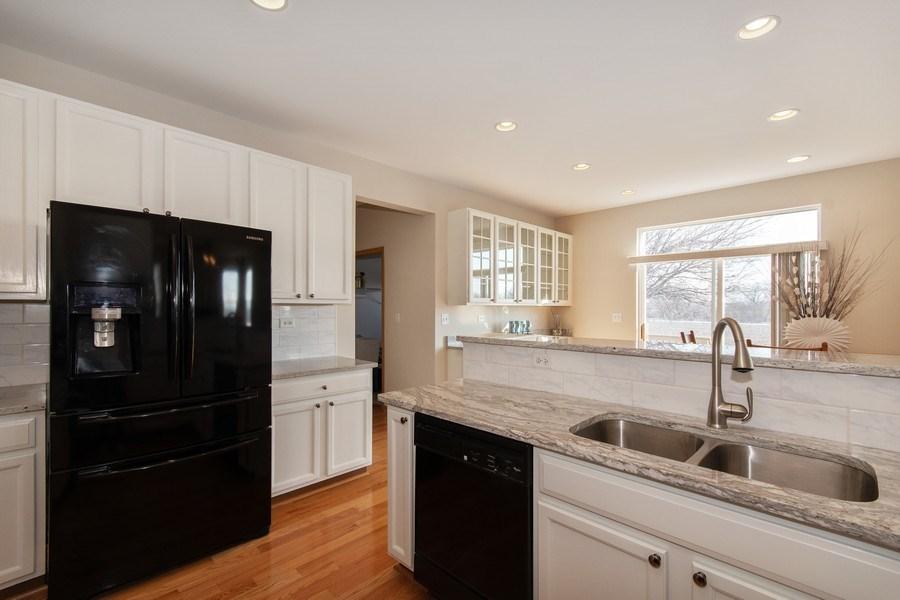 Real Estate Photography - 410 Kensington Dr., Oswego, IL, 60532 - Kitchen