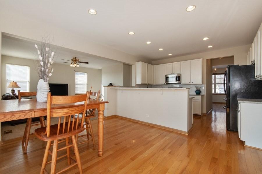 Real Estate Photography - 410 Kensington Dr., Oswego, IL, 60532 - Kitchen / Breakfast Room