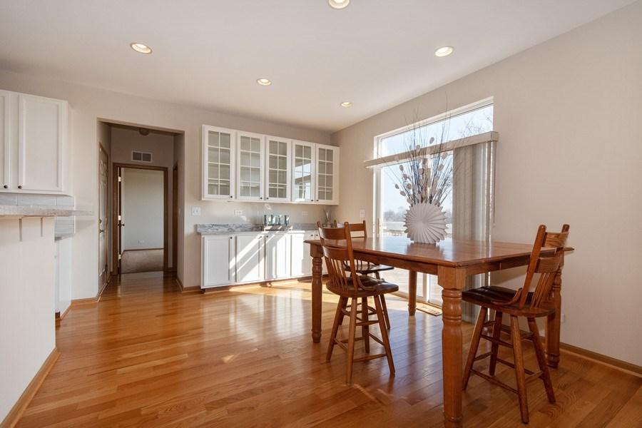 Real Estate Photography - 410 Kensington Dr., Oswego, IL, 60532 -