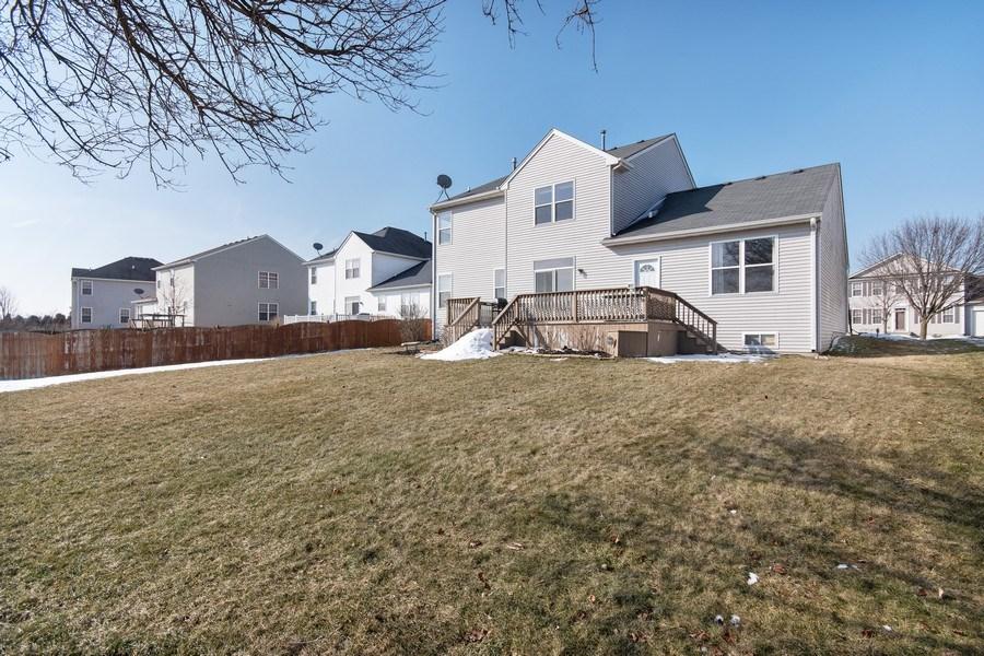 Real Estate Photography - 410 Kensington Dr., Oswego, IL, 60532 - Back Yard