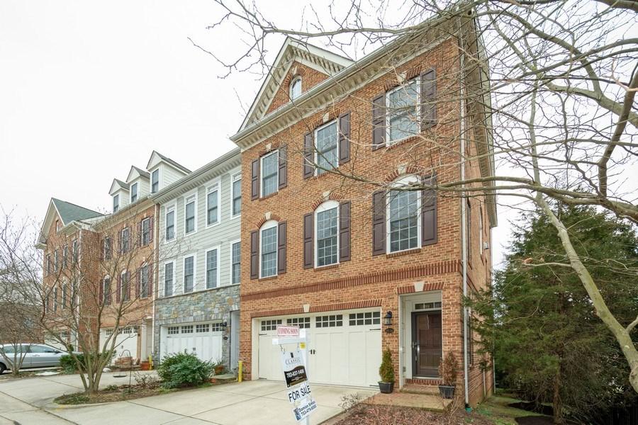 Real Estate Photography - 3536 Goddard Way, Alexandria, VA, 22304 - Side View