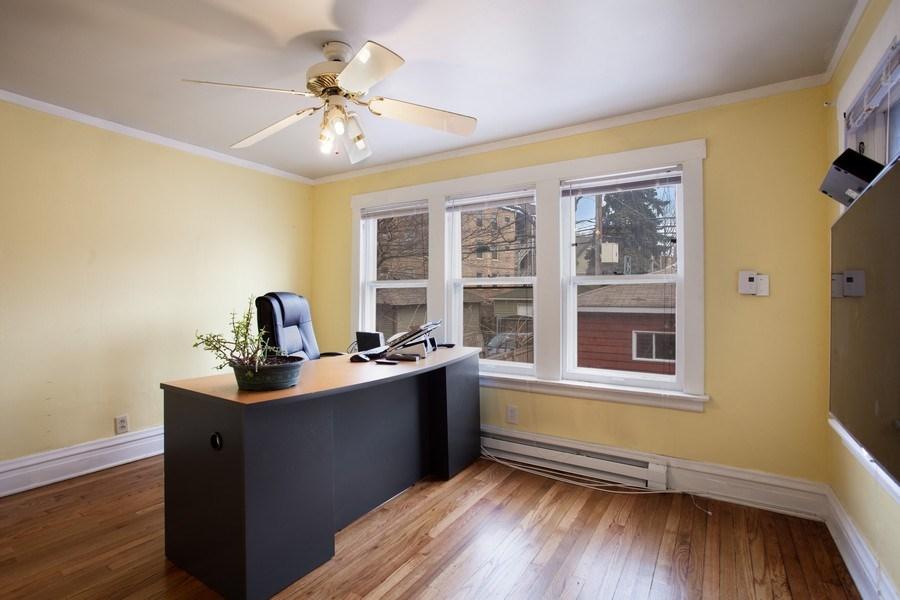 Real Estate Photography - 932 S. Euclid Avenue, Oak Park, IL, 60304 - Office