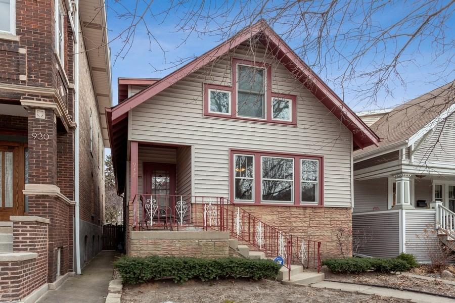 Real Estate Photography - 932 S. Euclid Avenue, Oak Park, IL, 60304 - Front View