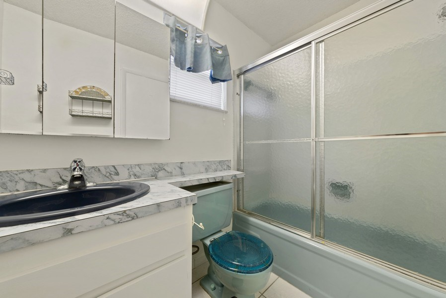 Real Estate Photography - 718 SW 15th St, Boynton, FL, 33426 - Bathroom