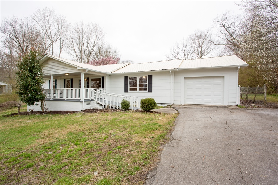 Real Estate Photography - 2175 MIDWAY RD, SMITHVILLE, TN, 37166 -